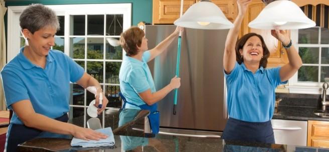curatenie la domiciliu curatenie la domiciliu Curatenie la domiciliu iStock 000019029540Small e1378510580563
